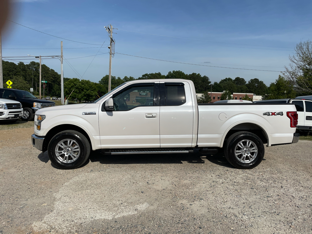 """Ford F-150 4WD SuperCab 163"""" Lariat 2015"""