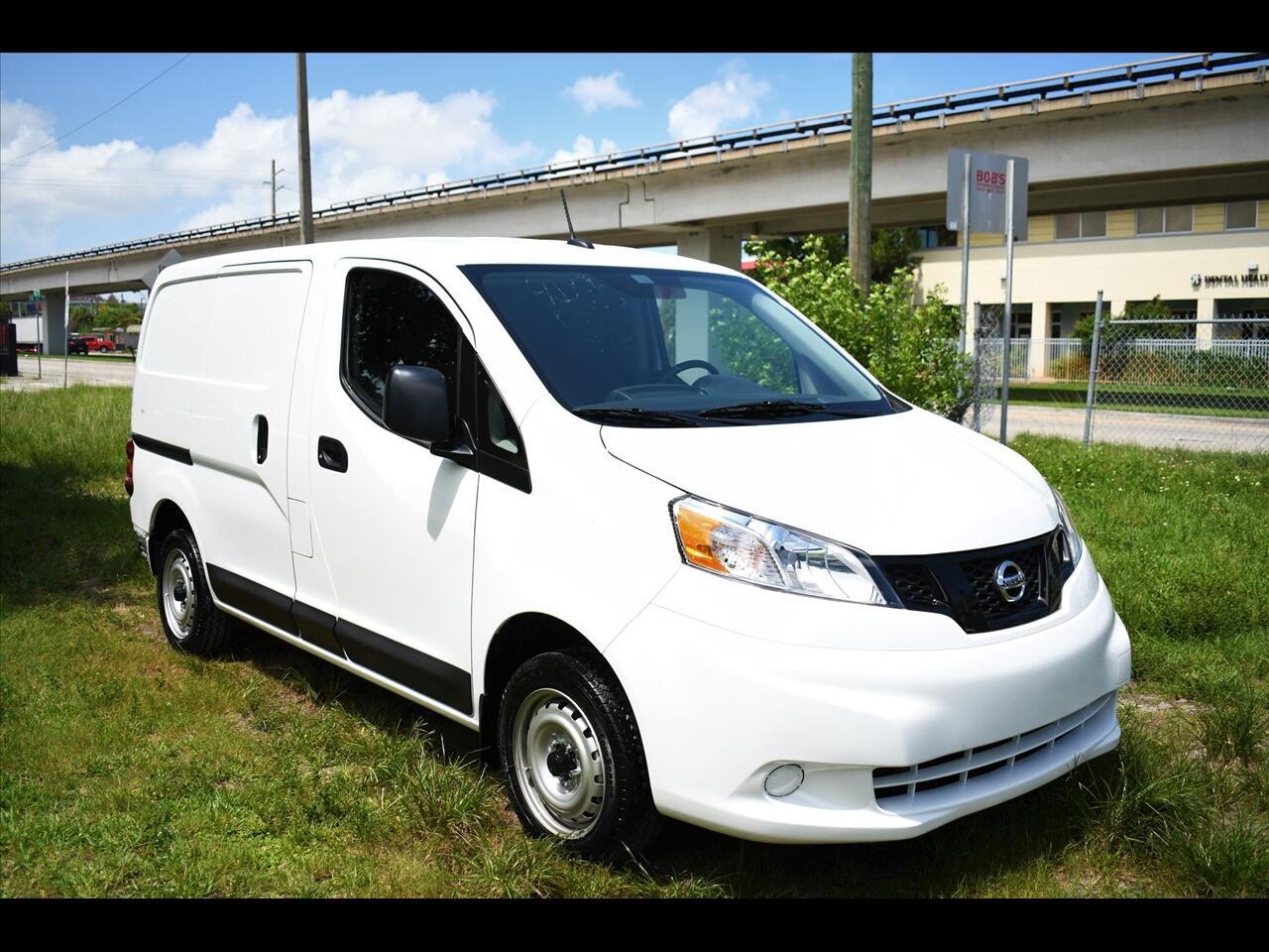 2021 Nissan NV200 S Van 4D