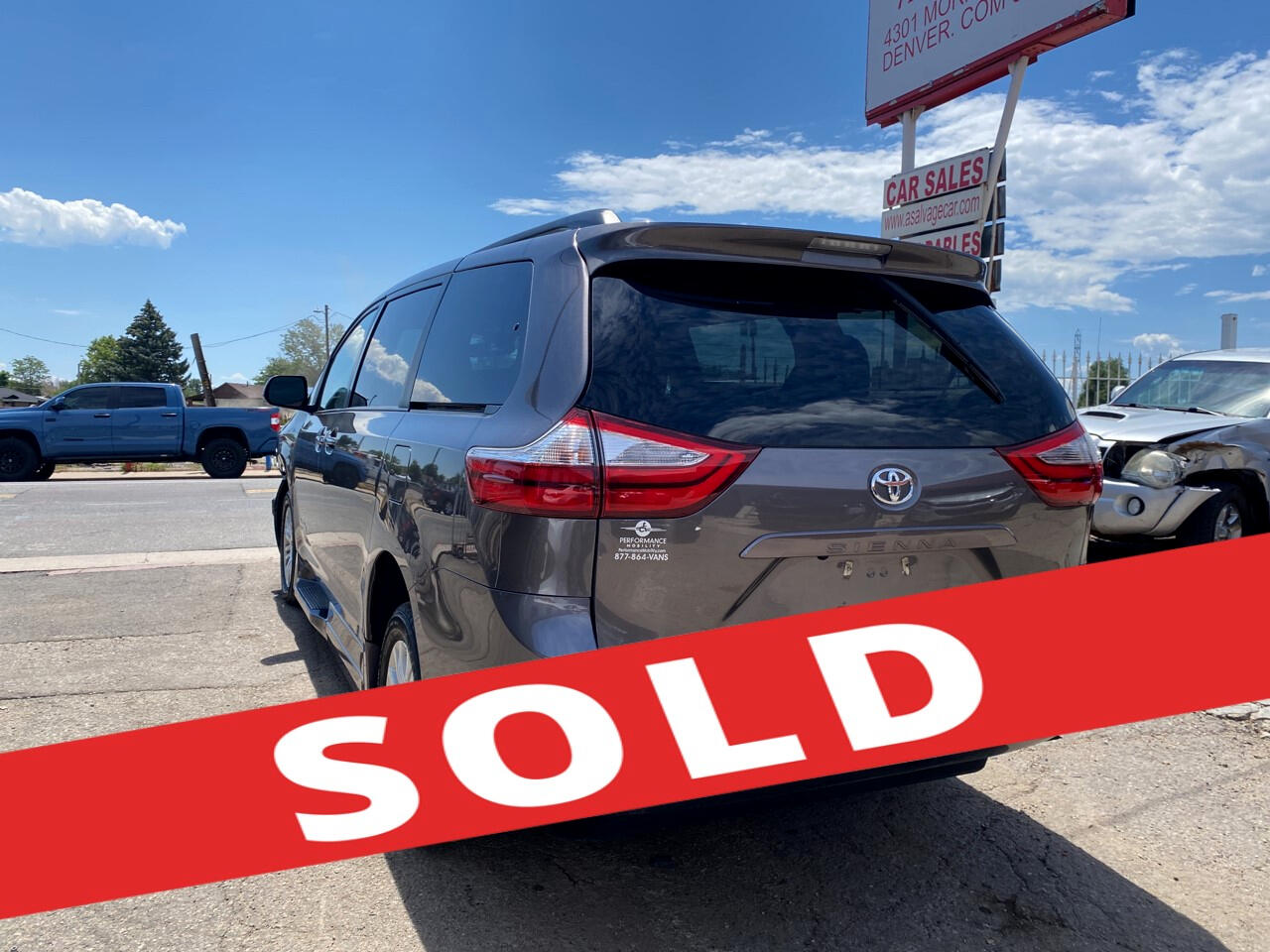 2017 Toyota Sienna XLE Auto Access Seat FWD 7-Passenger (Natl)
