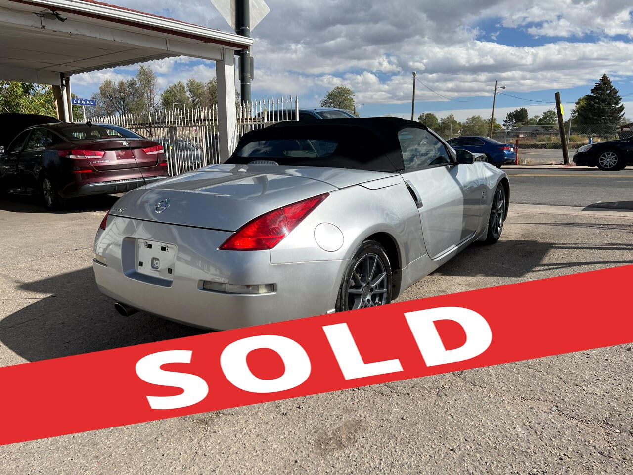 2005 Nissan 350Z 2dr Roadster Touring Auto