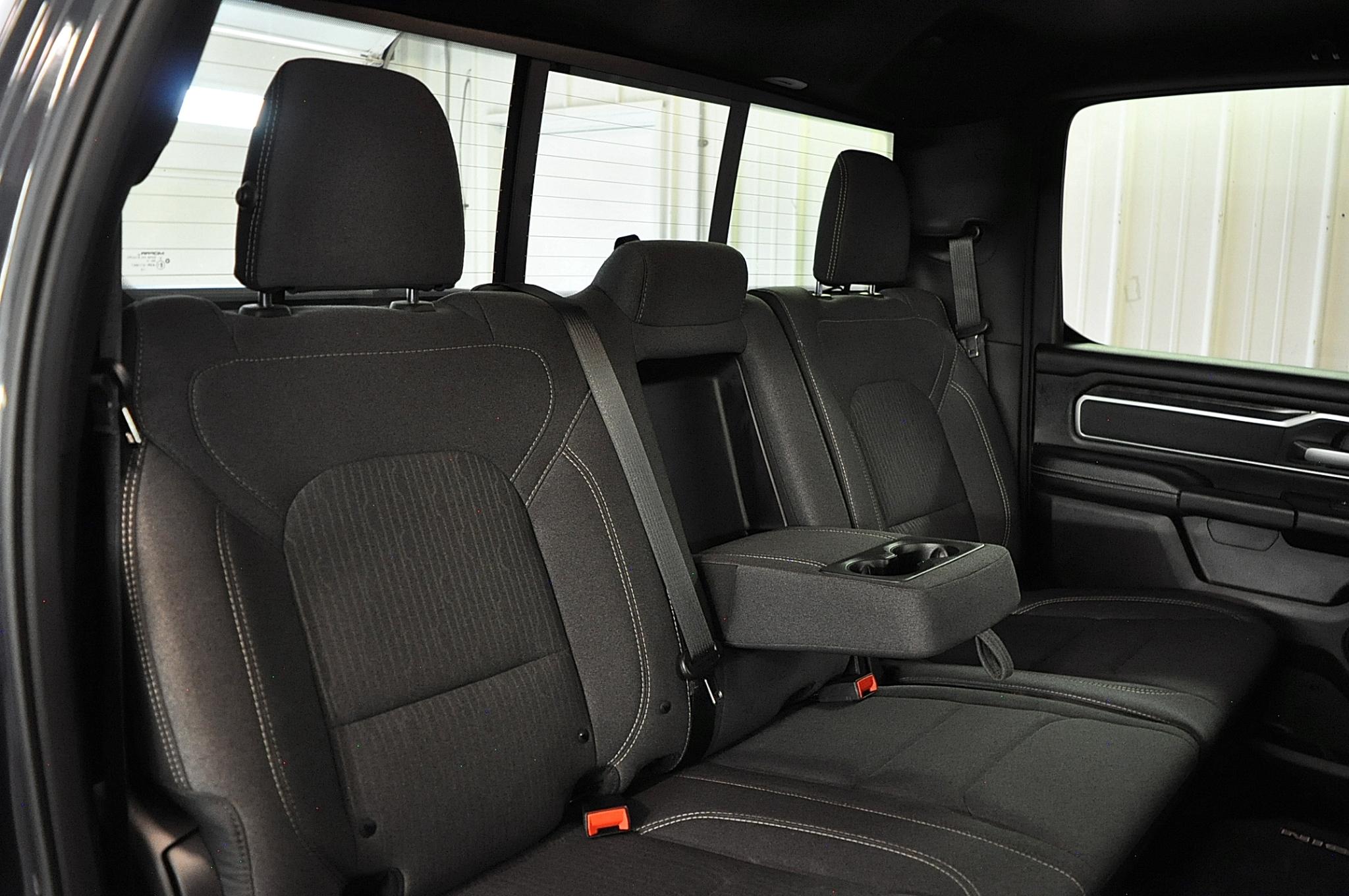 RAM 1500 Big Horn Crew Cab SWB 4WD 2019