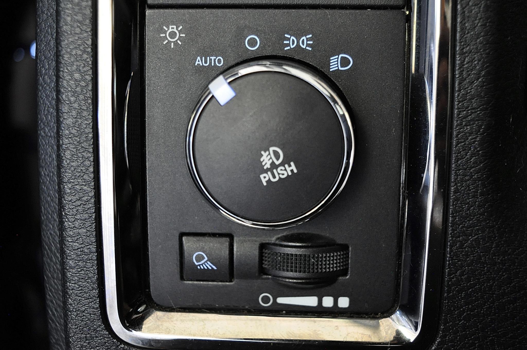 RAM 1500 SPORT SWB 2WD 2013