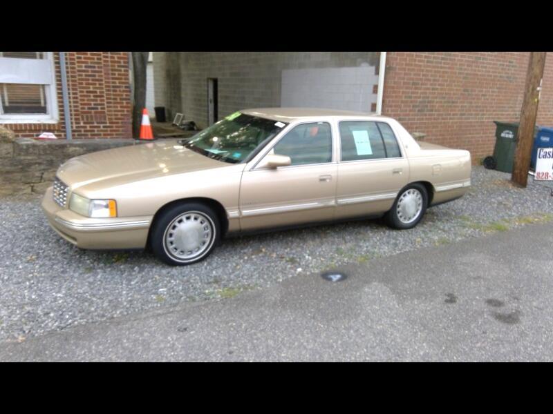 1998 Cadillac DeVille 4dr Sdn