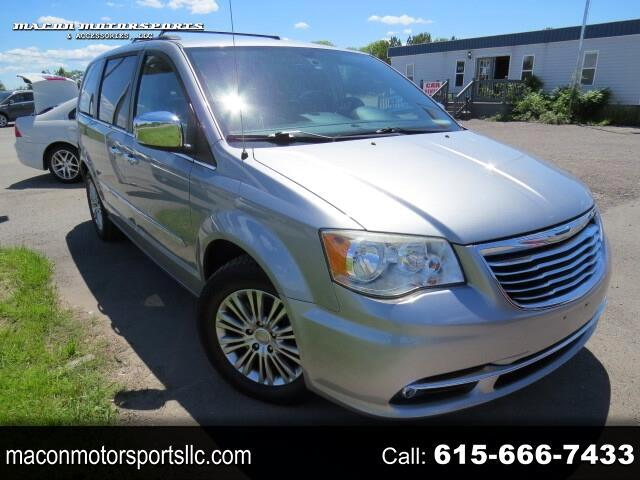 Chrysler Town & Country Touring L 2013