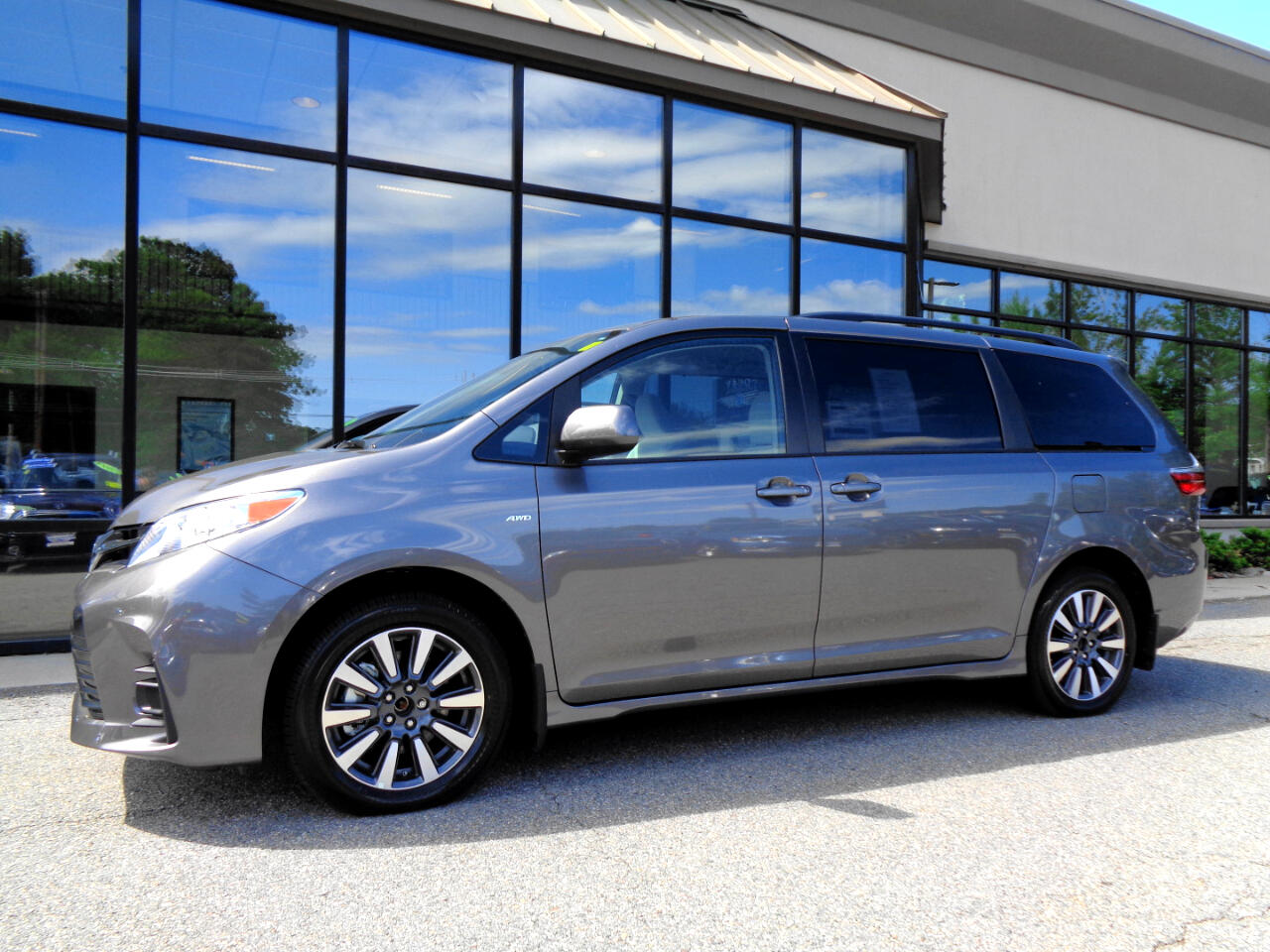 Toyota Sienna LE AWD 7-Passenger (Natl) 2020