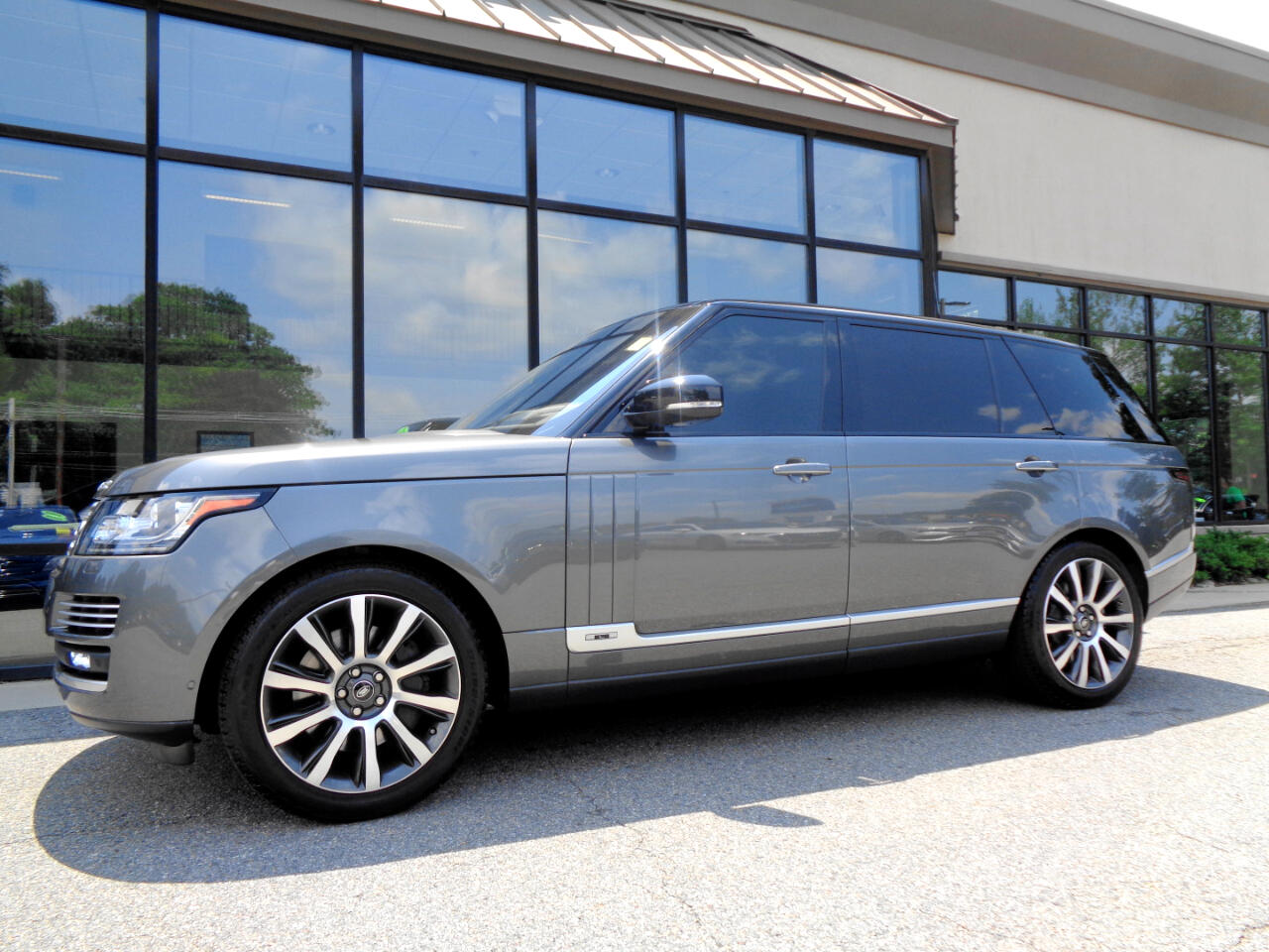 Land Rover Range Rover V8 Supercharged Autobiography LWB 2017