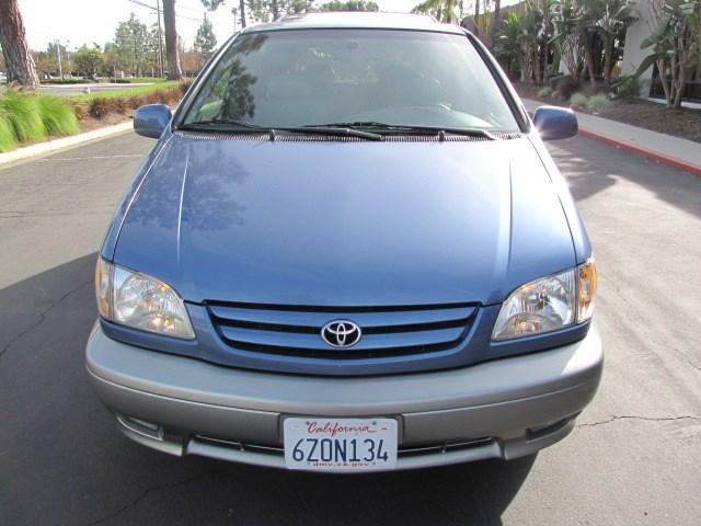 2002 Toyota Sienna XLE