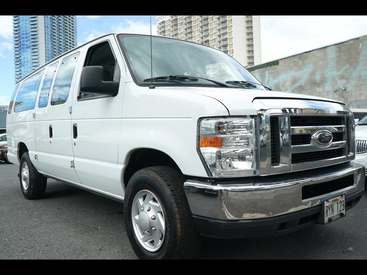 2013 Ford Econoline Wagon E-350 Super Duty Ext XLT