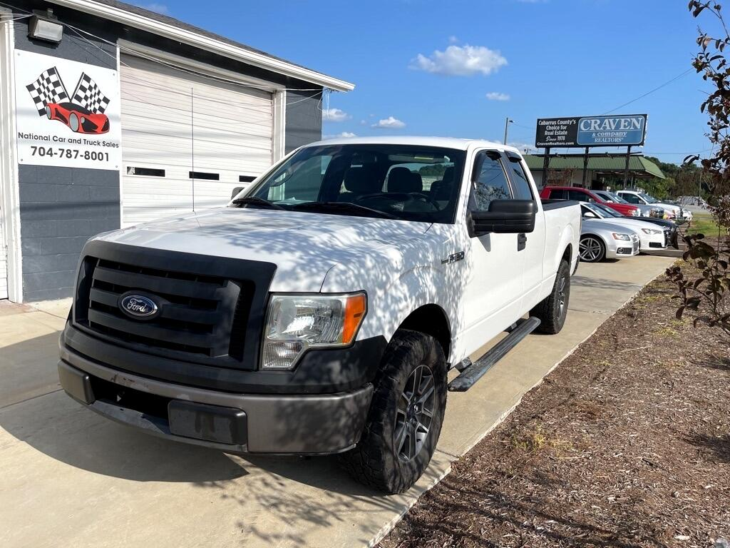 Ford F-150 XL SuperCab 8-ft. Bed 2WD 2012
