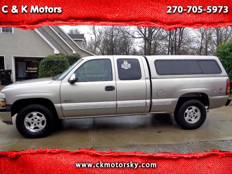 2001 Chevrolet Silverado 1500 LS Ext. Cab Short Bed 4WD