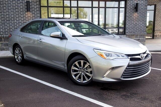 2016 Toyota Camry XLE FWD