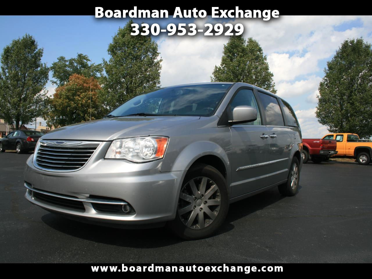 """Chrysler Town & Country 3dr Wgn 113"""" WB LX FWD 2015"""