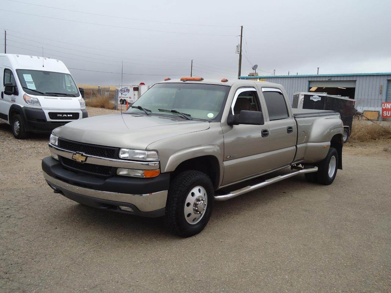 Chevrolet Silverado 3500 Crew Cab 4WD 2001