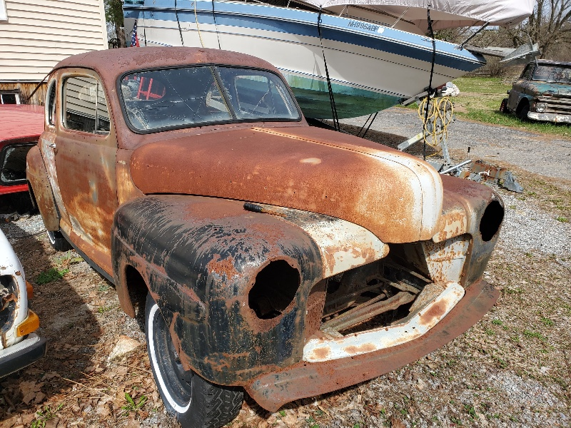 1947 Ford DELUXE COUPE business