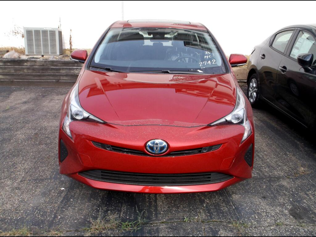 2018 Toyota Prius Three Touring (Natl)