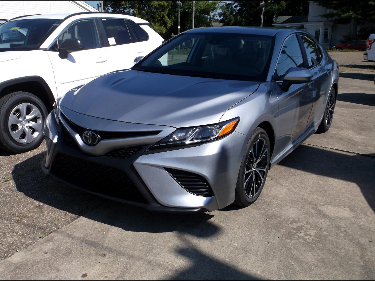 Toyota Camry SE Auto AWD (Natl) 2020