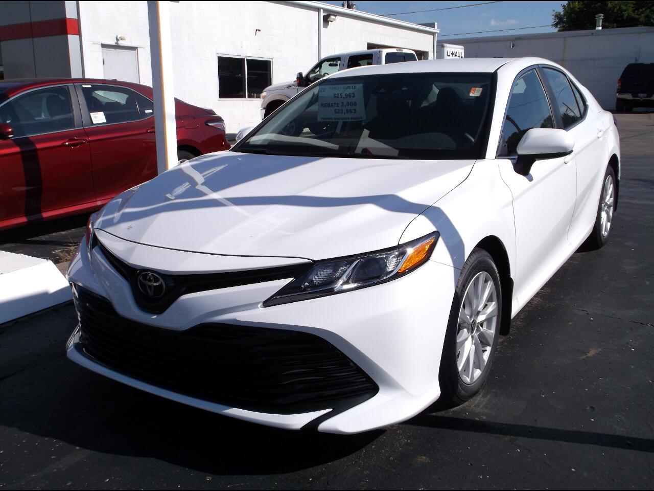 Toyota Camry LE Auto AWD (Natl) 2020