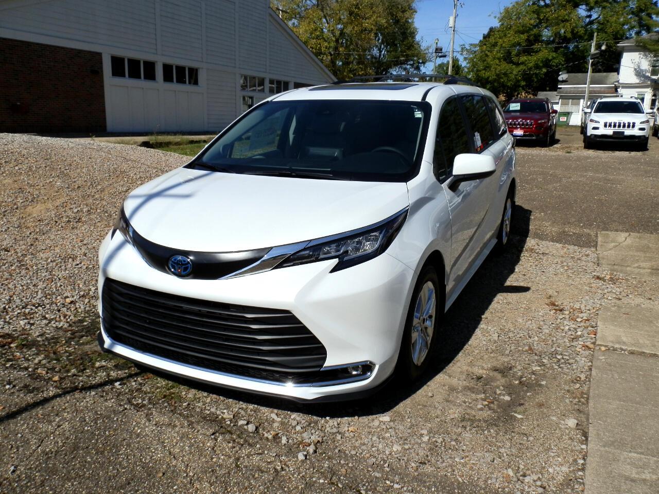 2022 Toyota Sienna XLE FWD 7-Passenger (Natl)