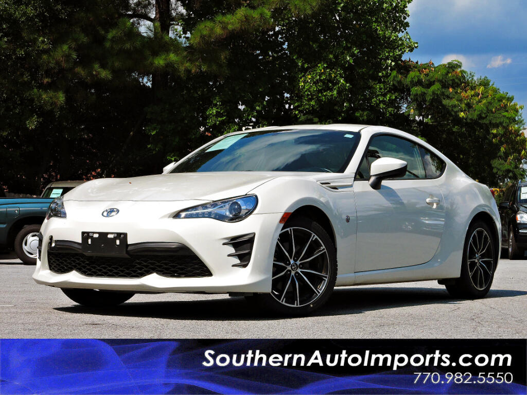 2017 Toyota 86 Manual w/Back up Camera