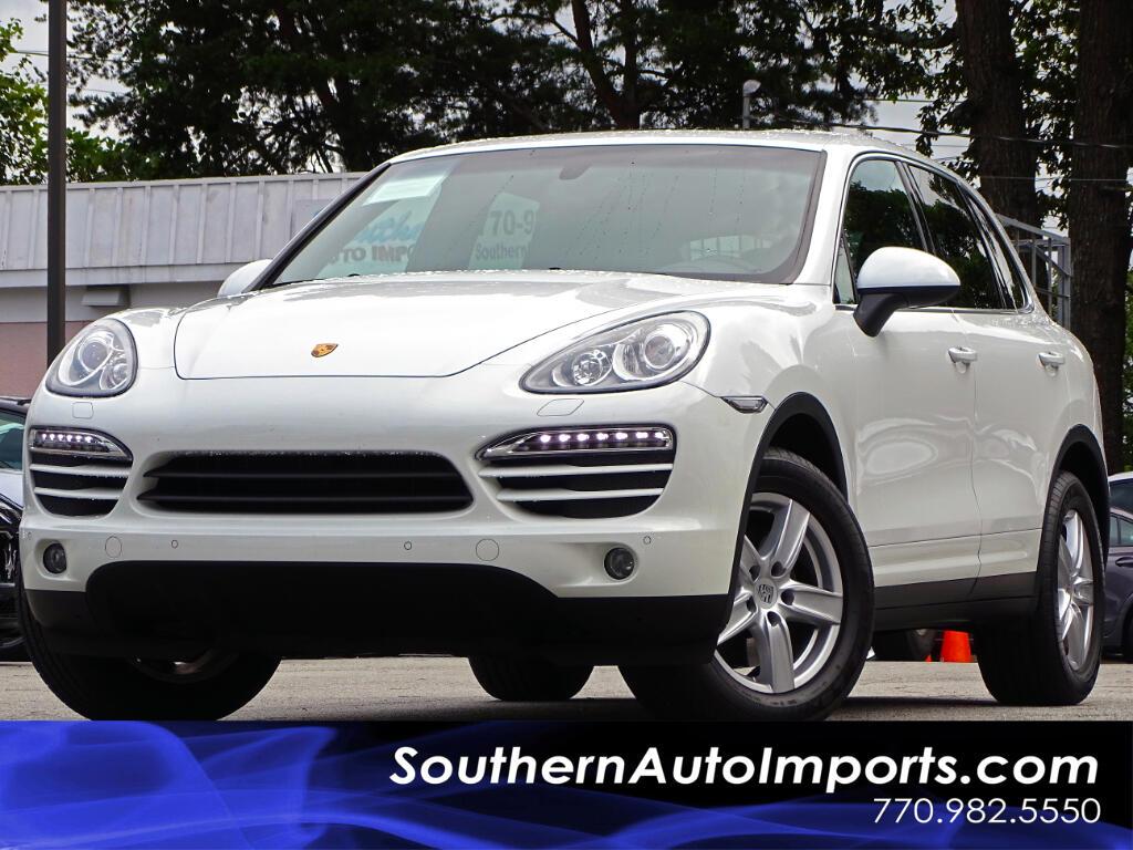 2014 Porsche Cayenne AWD w/PREMIUM PKG . NAVI & BACK UP CAMERA