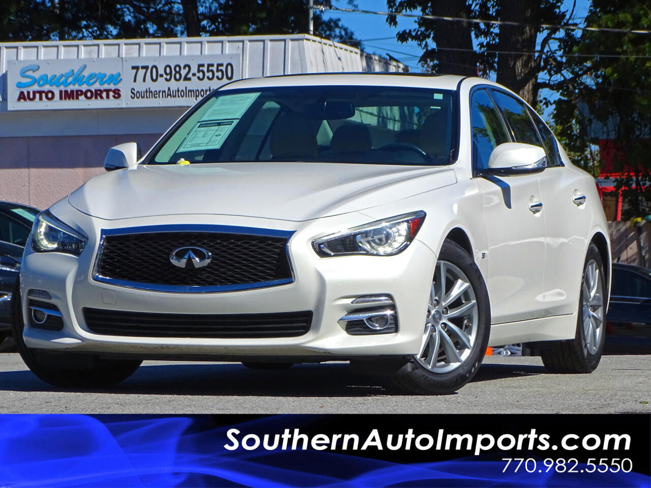 2015 Infiniti Q50 Premium Pkg w/back up Camera Navigation System