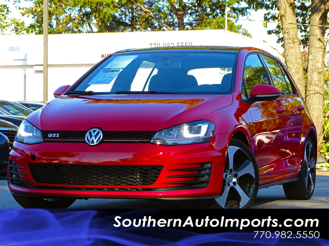 2015 Volkswagen Golf GTI SE w/Back Up Camera PanoRoof n Lighting Package