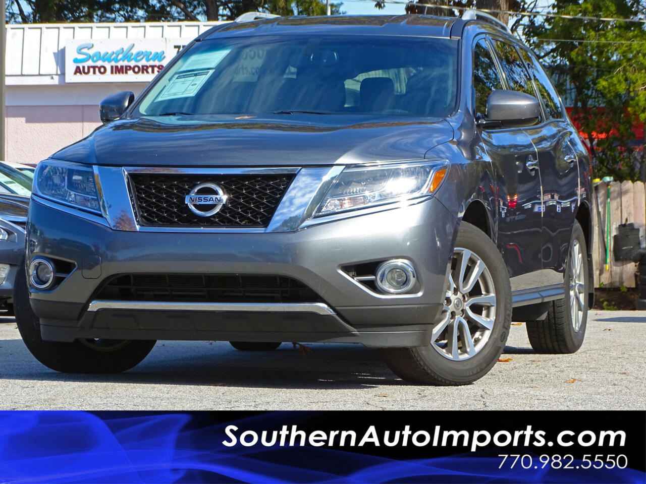 2015 Nissan Pathfinder SV w/Back Up Camera 1owner