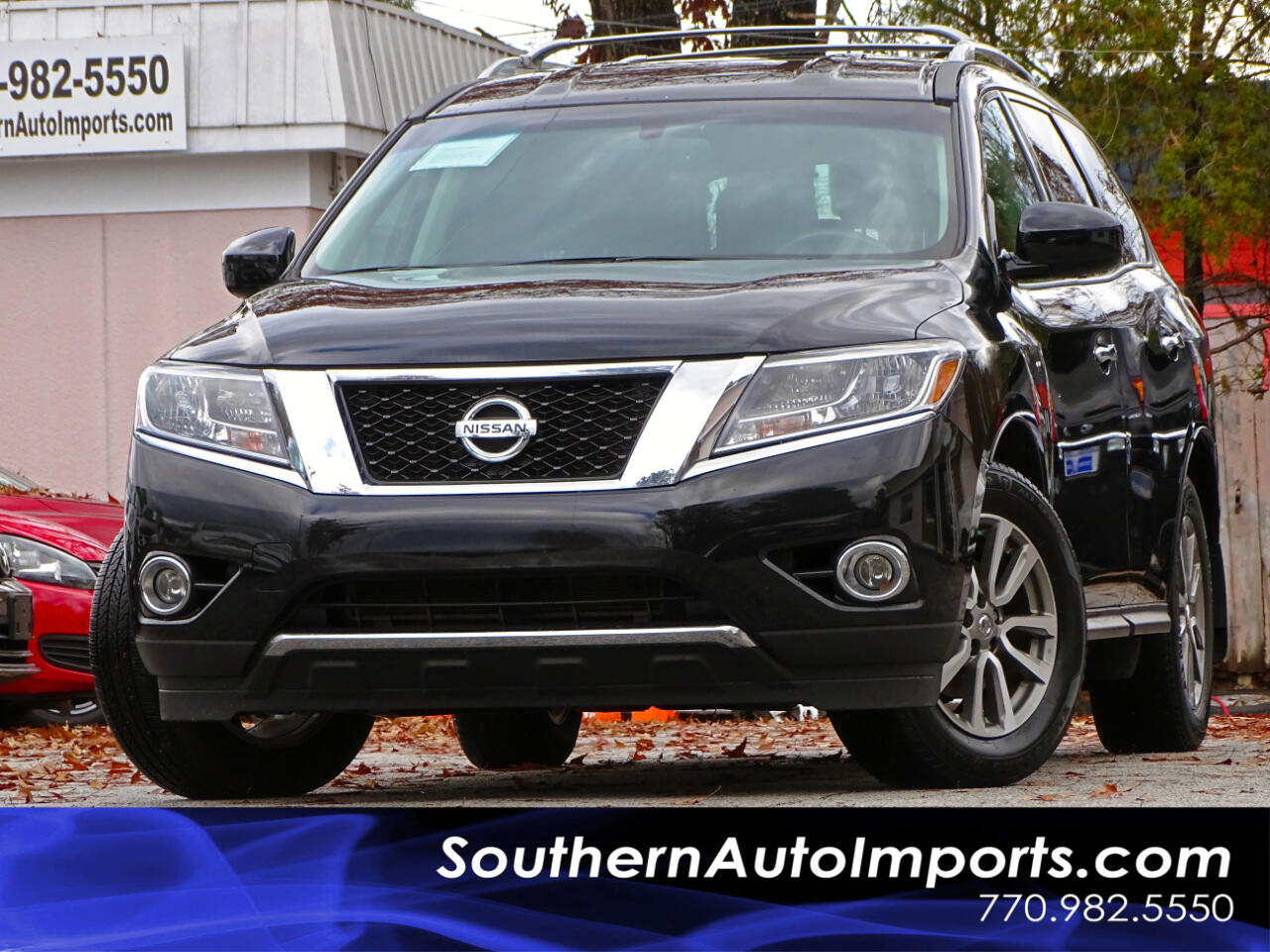 2015 Nissan Pathfinder SV w/Back up Camera 3RD Row Seats