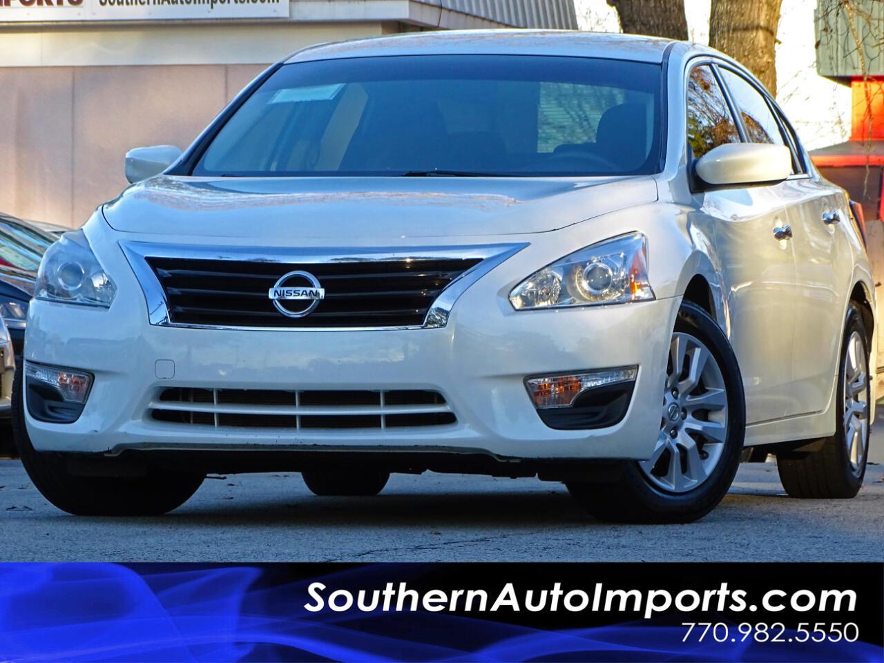 2015 Nissan Altima 2.5 S w/Low miles & Pwr seat