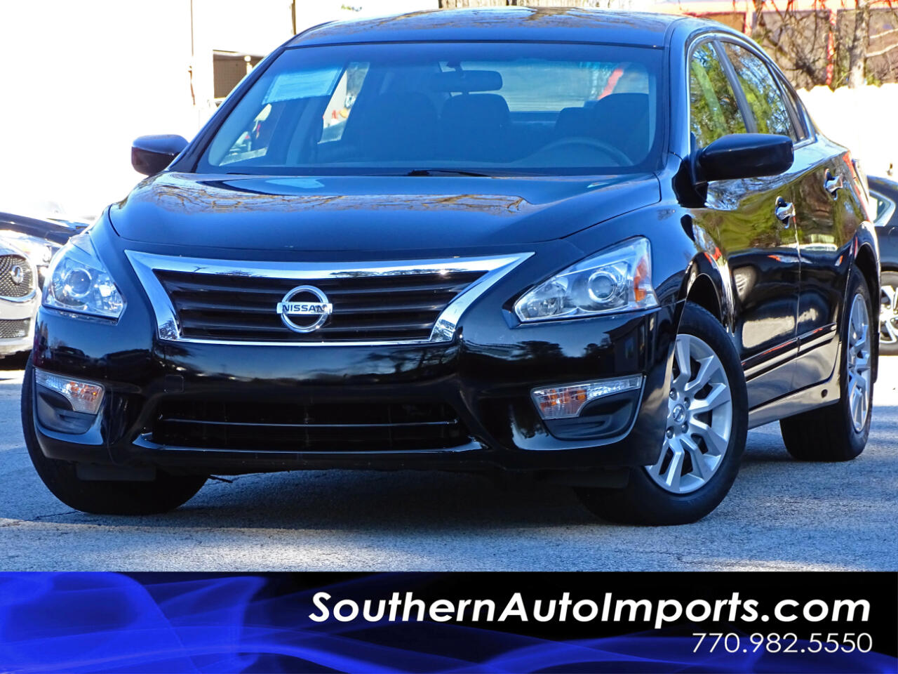 2015 Nissan Altima 2.5 S w/Back Up Camera