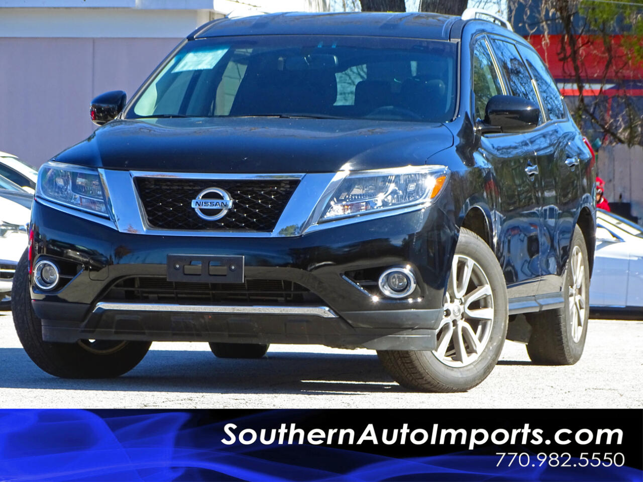 2015 Nissan Pathfinder SV w/Back up Camera Bluetooth Connection