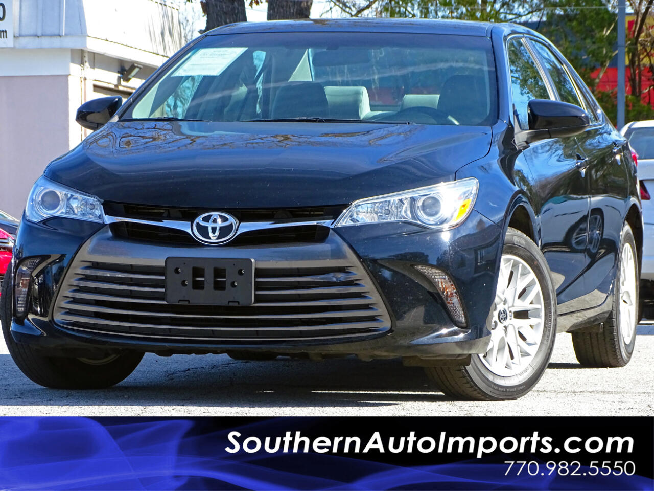 2016 Toyota Camry LE w/Alloy Wheels Back Up Camera