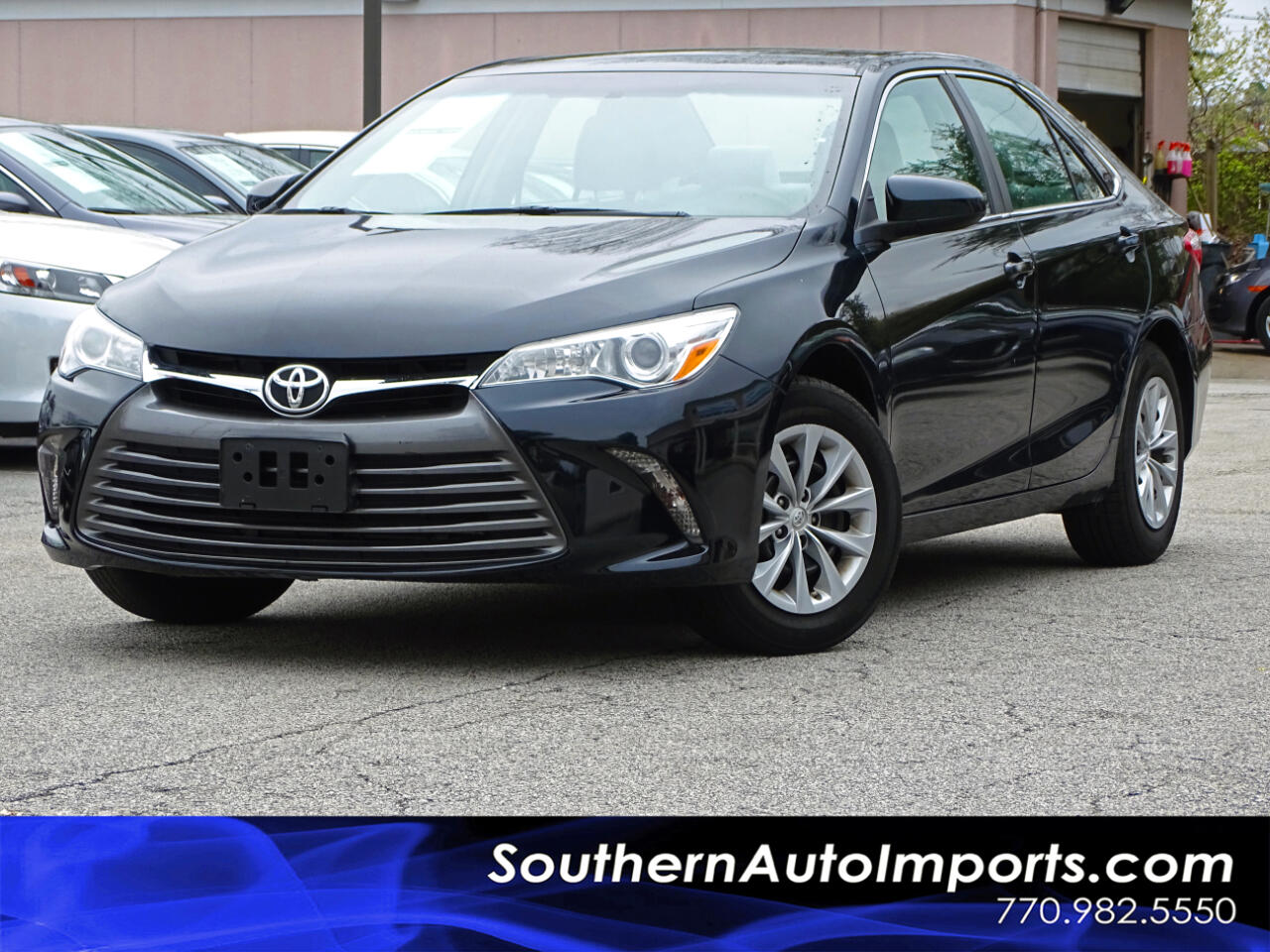 2015 Toyota Camry LE w/Back up Camera Bluetooth