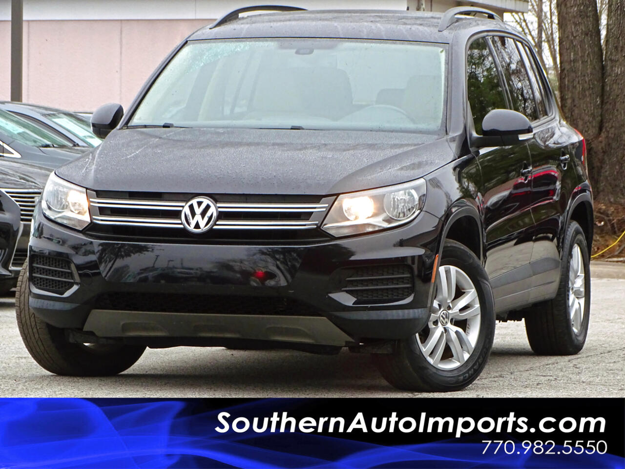 2016 Volkswagen Tiguan S w/Back up Camera Bluetooth Connection