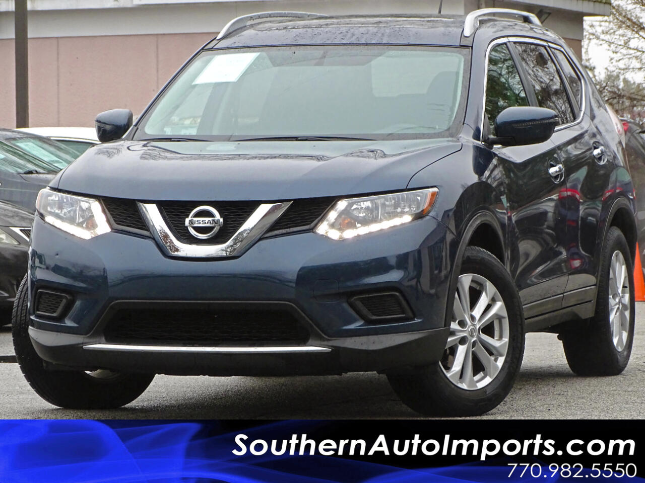 2016 Nissan Rogue SV w/Panoramic Roof Back up Camera
