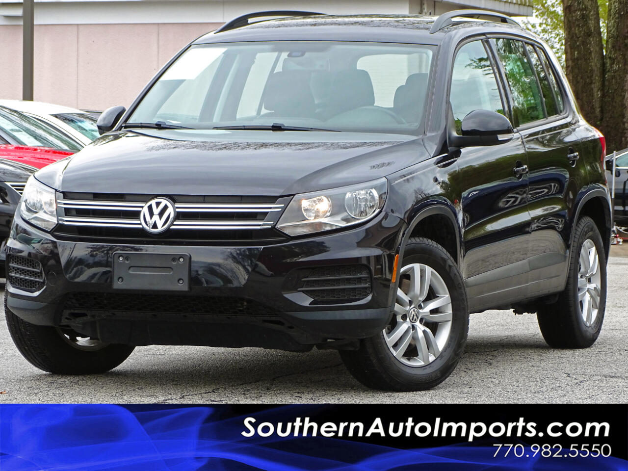 2016 Volkswagen Tiguan S w/Back up Camera Heated Seats Keyless Entry