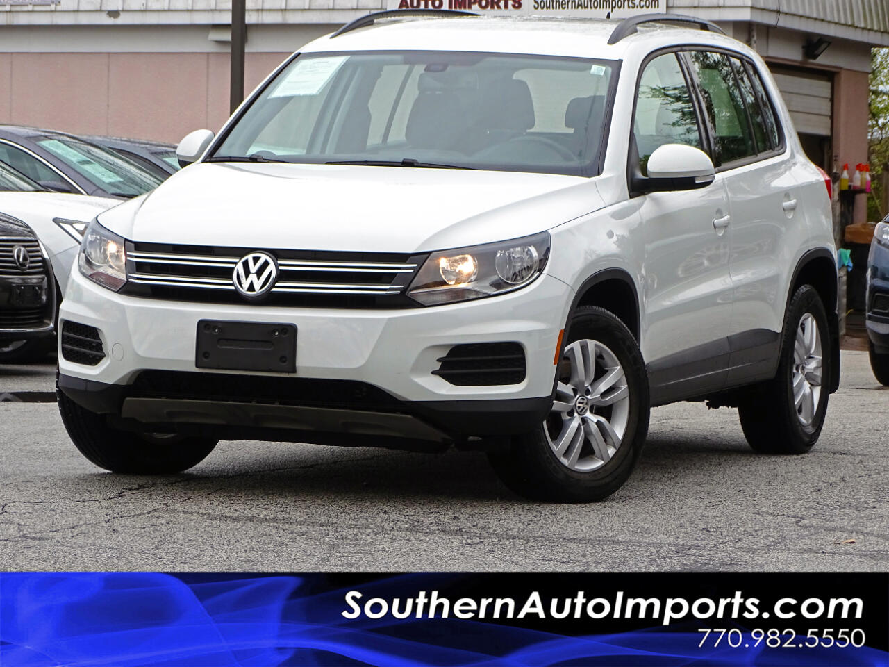 2016 Volkswagen Tiguan 4Motion S w/Back up Camera Bluetooth Connection