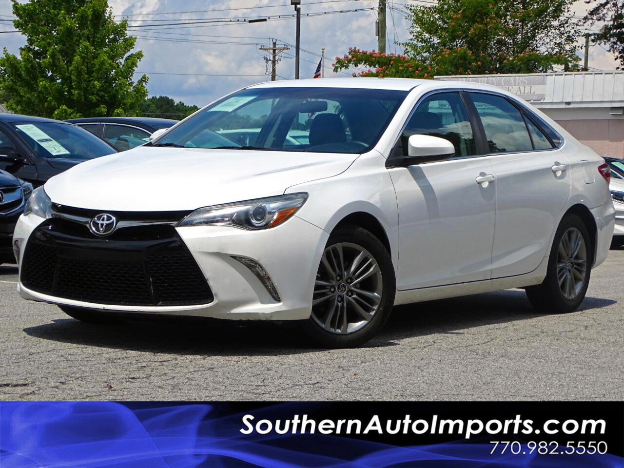 2016 Toyota Camry SE w/Back up Camera Bluetooth Connection