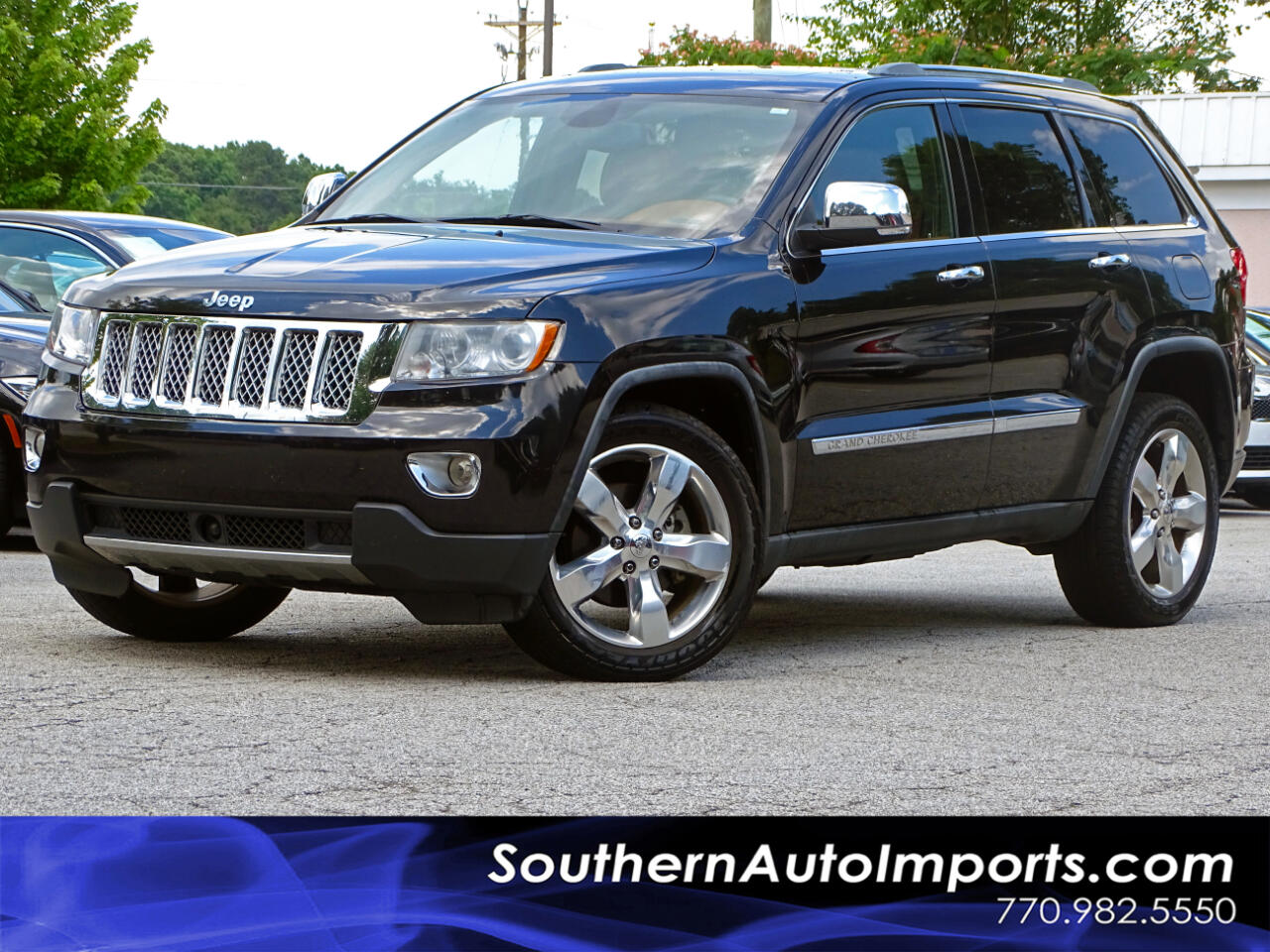 2012 Jeep Grand Cherokee OVERLAND w/Navi. Back up Cam. Panoramic Roof