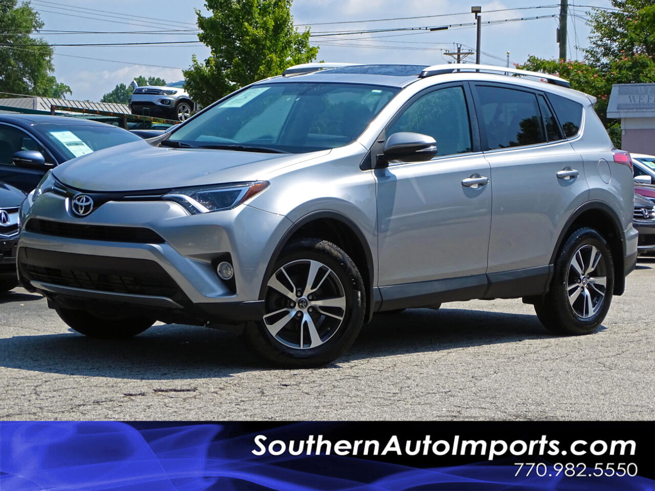 2016 Toyota RAV4 XLE Back up camera Bluetooth Connection