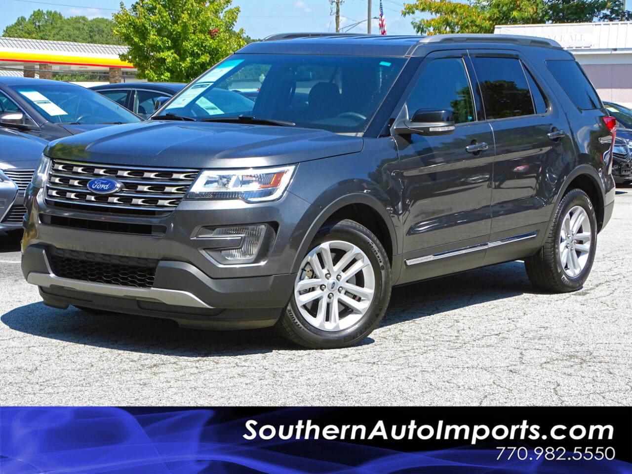 2017 Ford Explorer XLT w/BACK UP CAMERA 3RD ROW SEATS