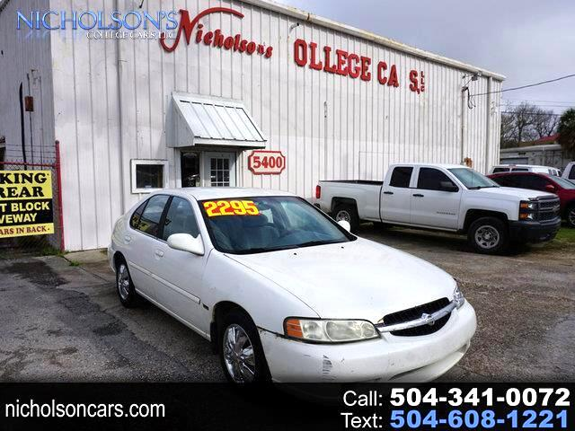 Nissan Altima GXE 2001