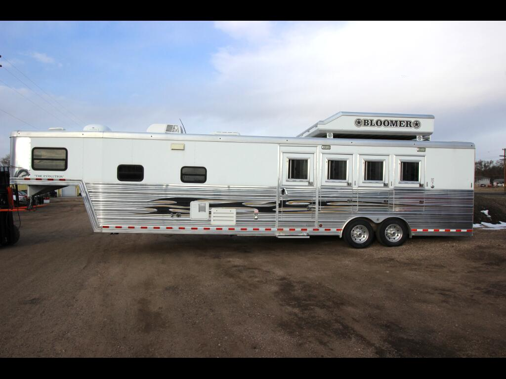 2010 Trailer Horse Trailer OUTLAW CONVERSION