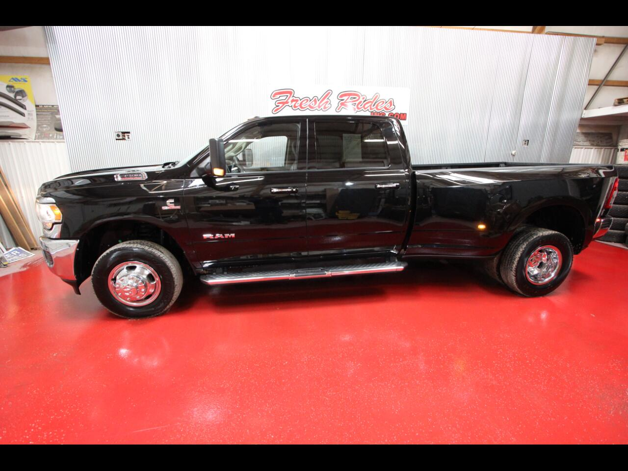 RAM 3500 Big Horn 4x4 Crew Cab 8' Box 2019