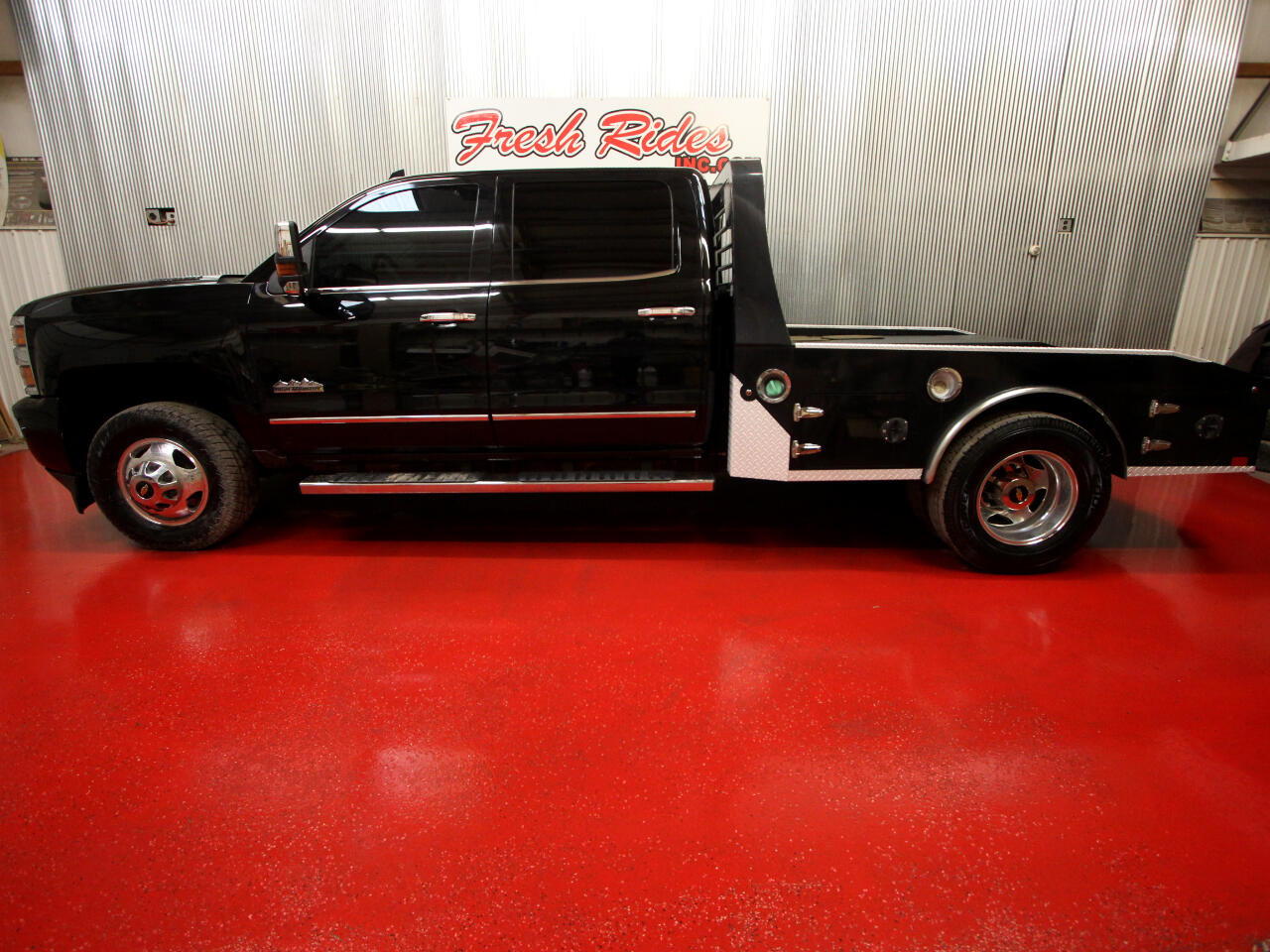 """Chevrolet Silverado 3500HD Built After Aug 14 4WD Crew Cab 167.7"""" High Country 2015"""