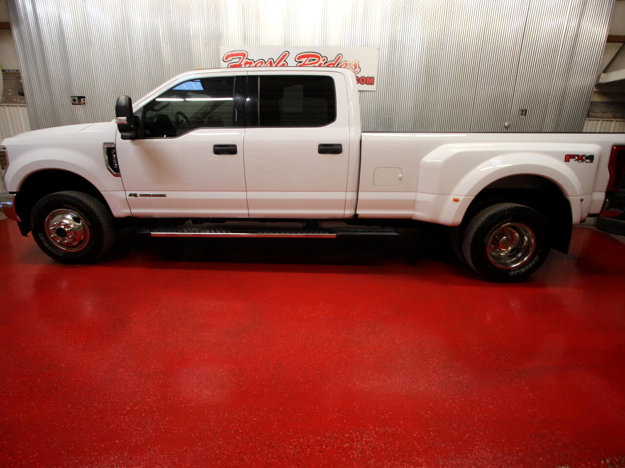 Ford Super Duty F-350 DRW XLT 4WD Crew Cab 8' Box 2018