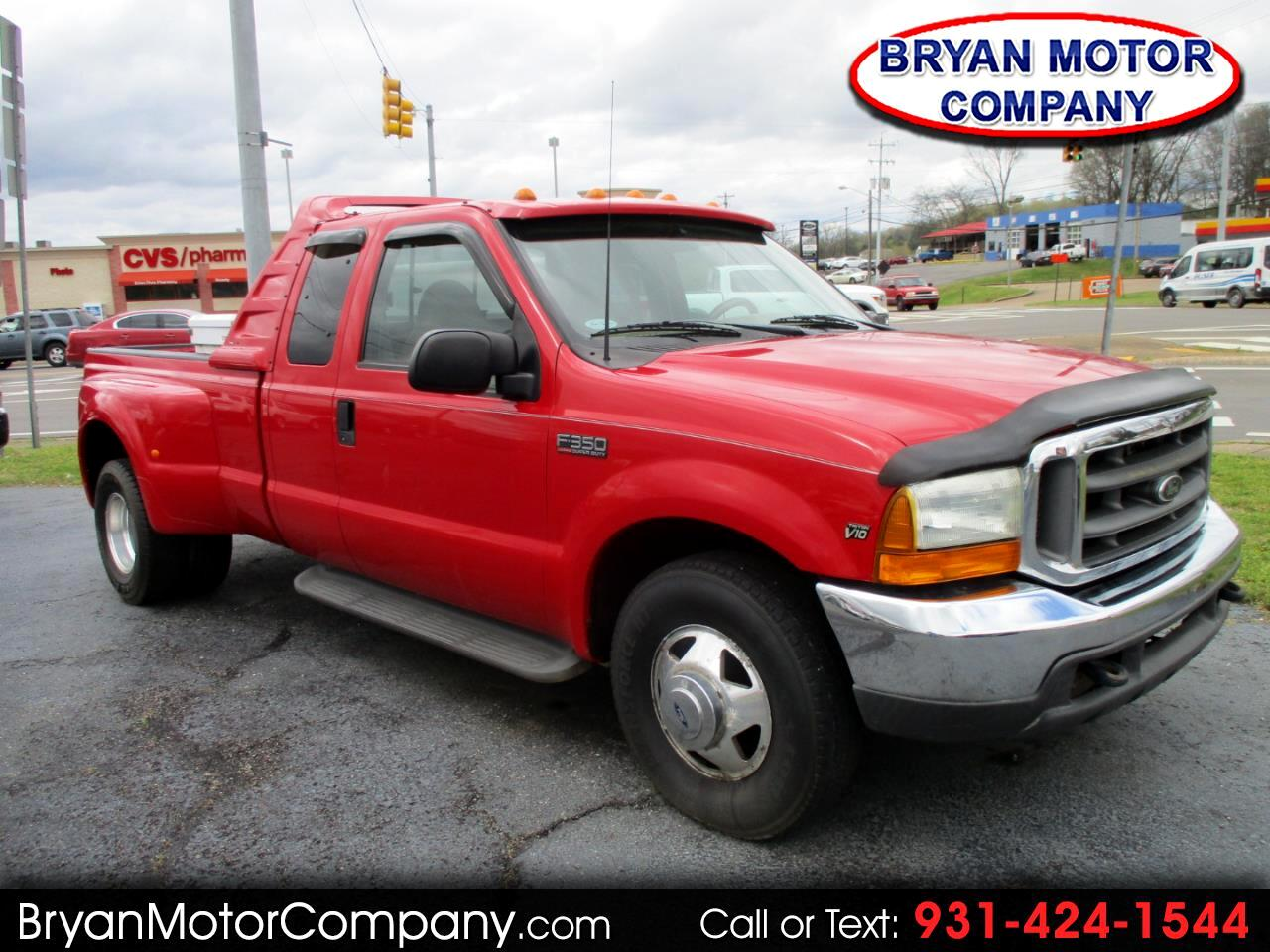 1999 Ford Super Duty F-350 DRW Supercab 158