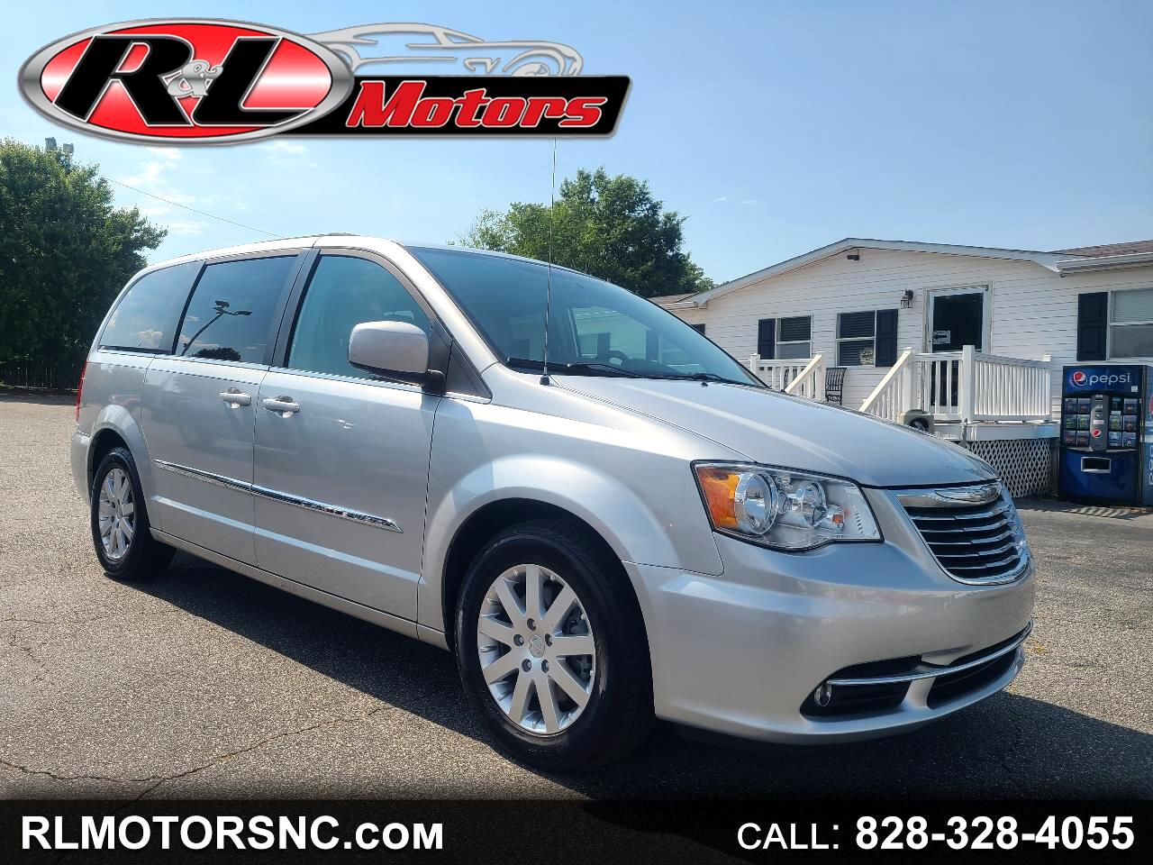 Chrysler Town & Country Touring L 2012