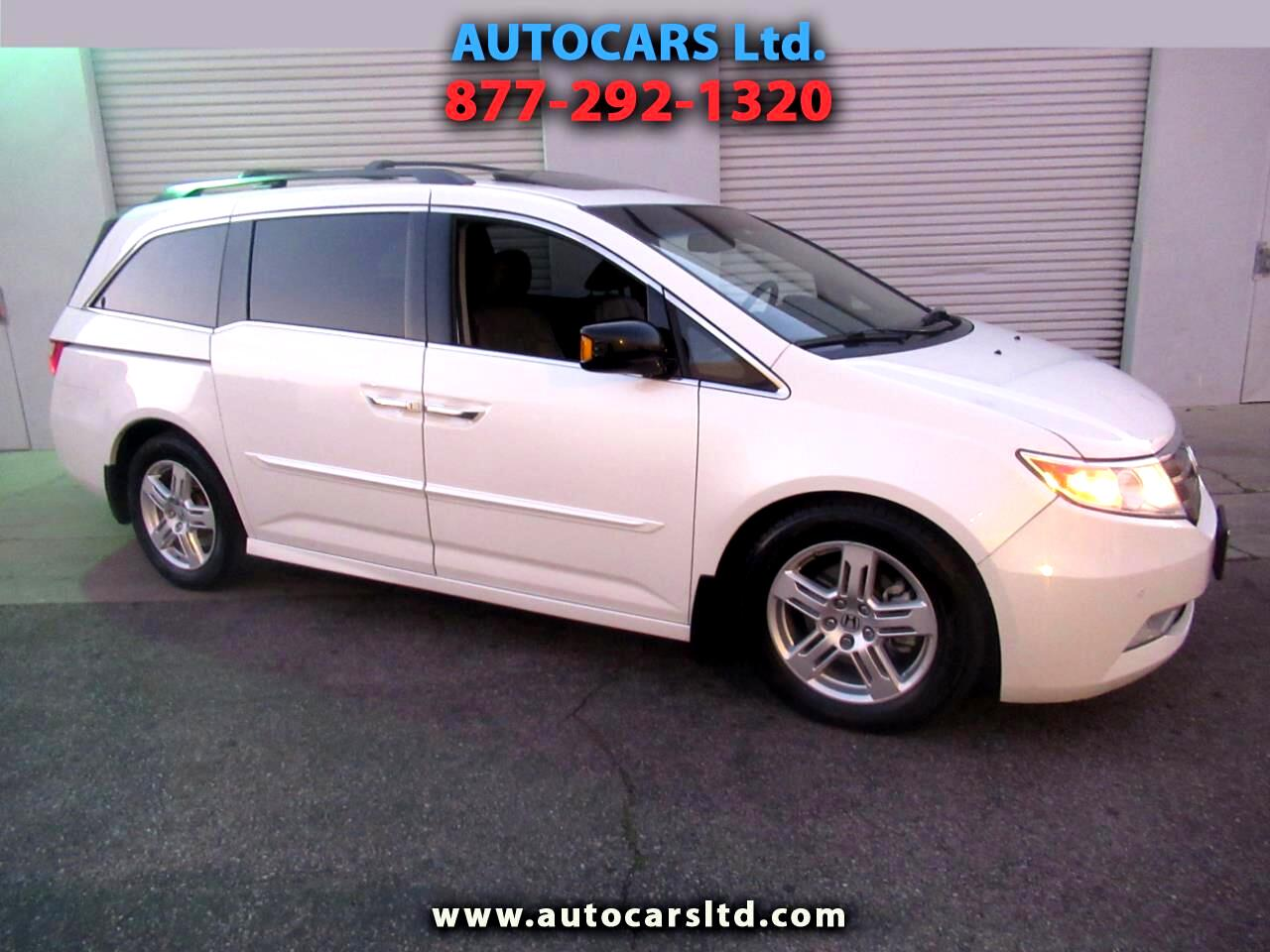 Honda Odyssey Touring  w/ DVD and Navigation 2012