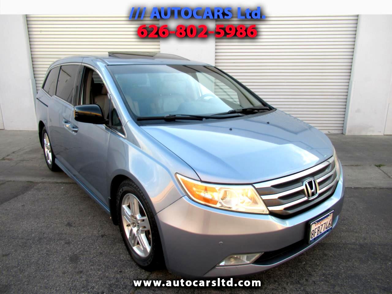 Honda Odyssey Touring  w/ DVD and Navigation 2012